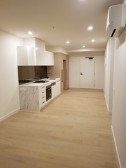 M-City Modern Apartment in All in One Dynamic Precinct